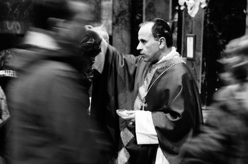 Tempo di Quaresima: online il sussidio dell'Ufficio Liturgico e la Via Crucis di padre Orazio Renzetti