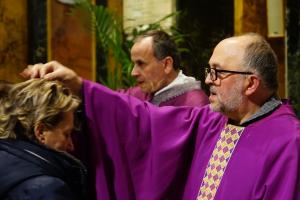 Carità, preghiera e digiuno per sentire il profumo della Pasqua