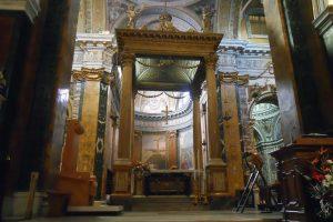 Il vescovo: «nella chiesa e nel campanile la dimesione verticale dell'esistenza»