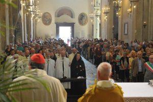 Il card Petrocchi al Giugno Antoniano: «I santi sono i capolavori dell'amore di Dio»